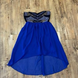 Lovely high low decorated top, navy blue dress!